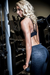 025-BLOG-ZANNA-VAN-DIJK-FITNESS-PHOTOGRAPHY-SHOOT-BARNSLEY